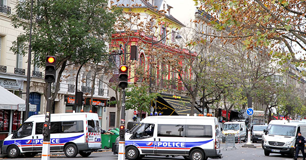 Bataclan - the day after the shootings (photo: Maya-Anaïs Yataghène)